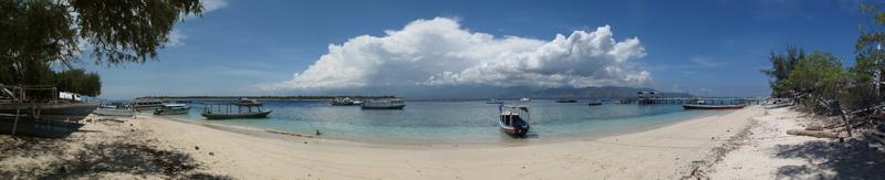 Panoramaaufnahme des Strandes von Gili Trawangan