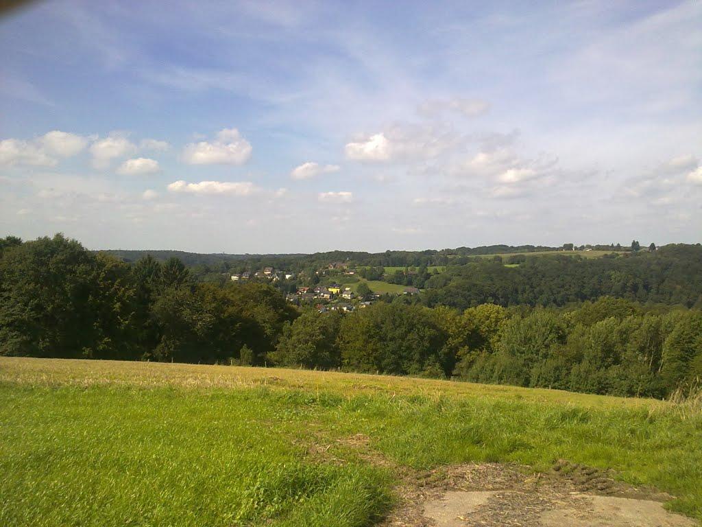 Panoramablick Richtung Donrath. Heppenberg im Hintergrund. Samstag, 11. September 2010