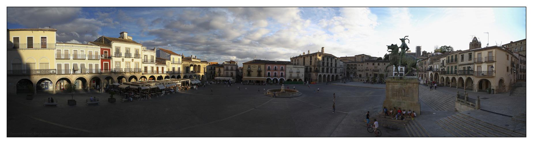 Panorámica de la Plaza Mayor de Trujillo (Cáceres Extremadura España)
