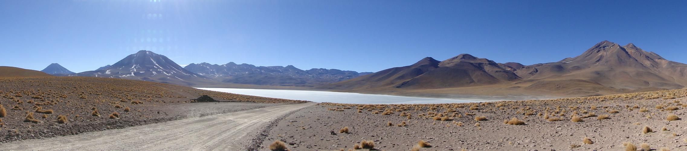 panoramica de laguna miscanti