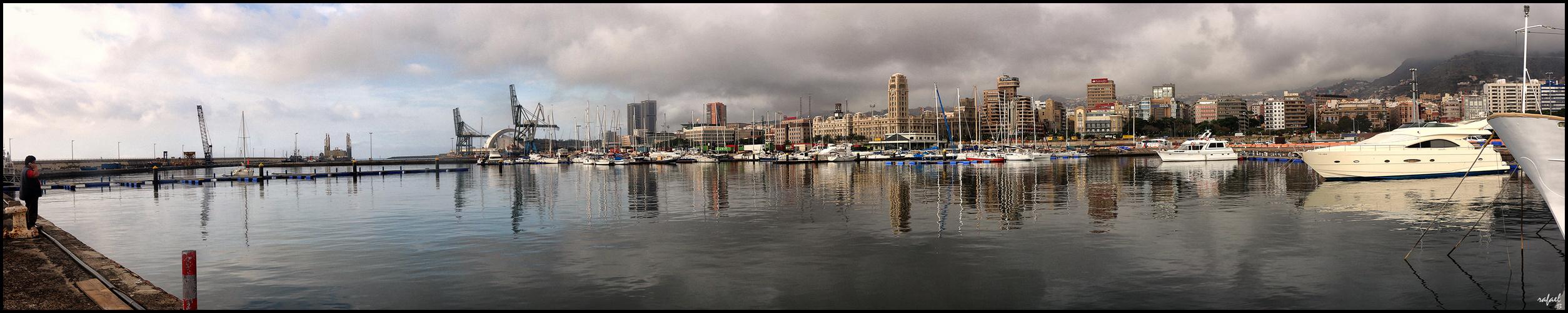Panorámica de Santa Cruz desde el puerto