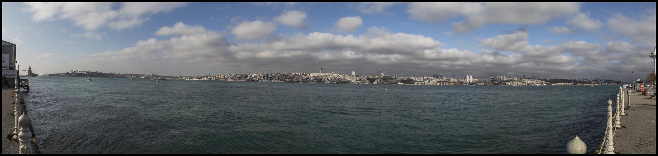 Panorámica zona moderna de Estambul desde la orilla Asiática (Turquia)