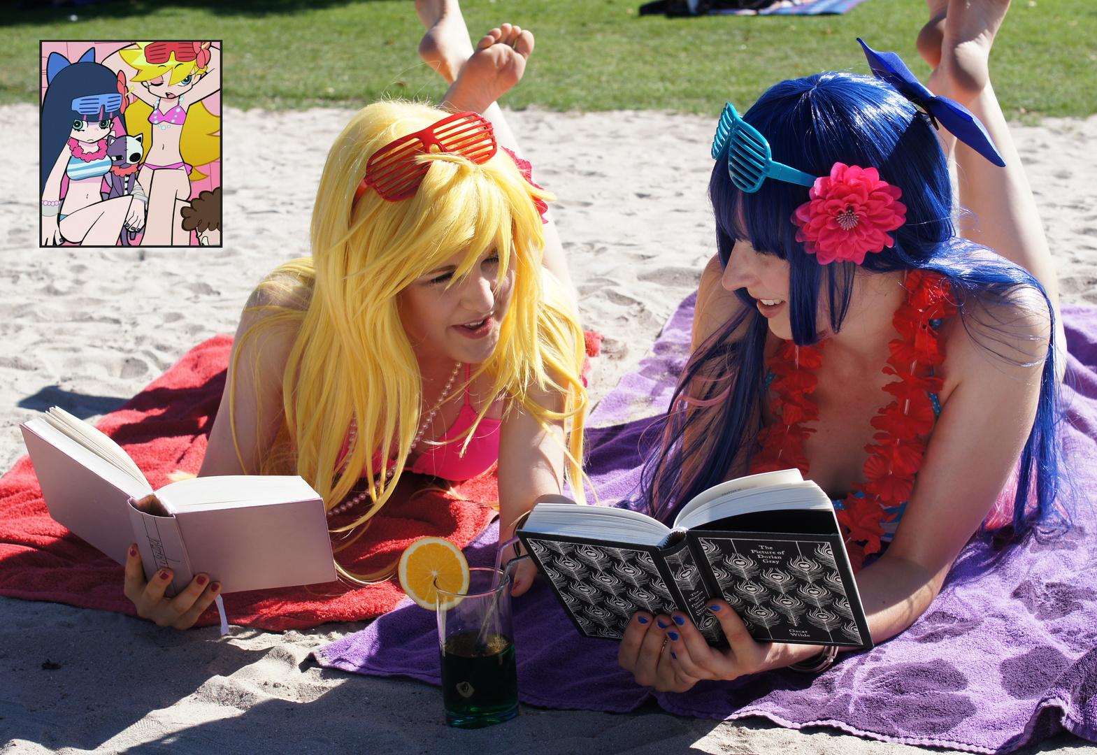 Panty & Stocking @ Daten Beach – Reading books