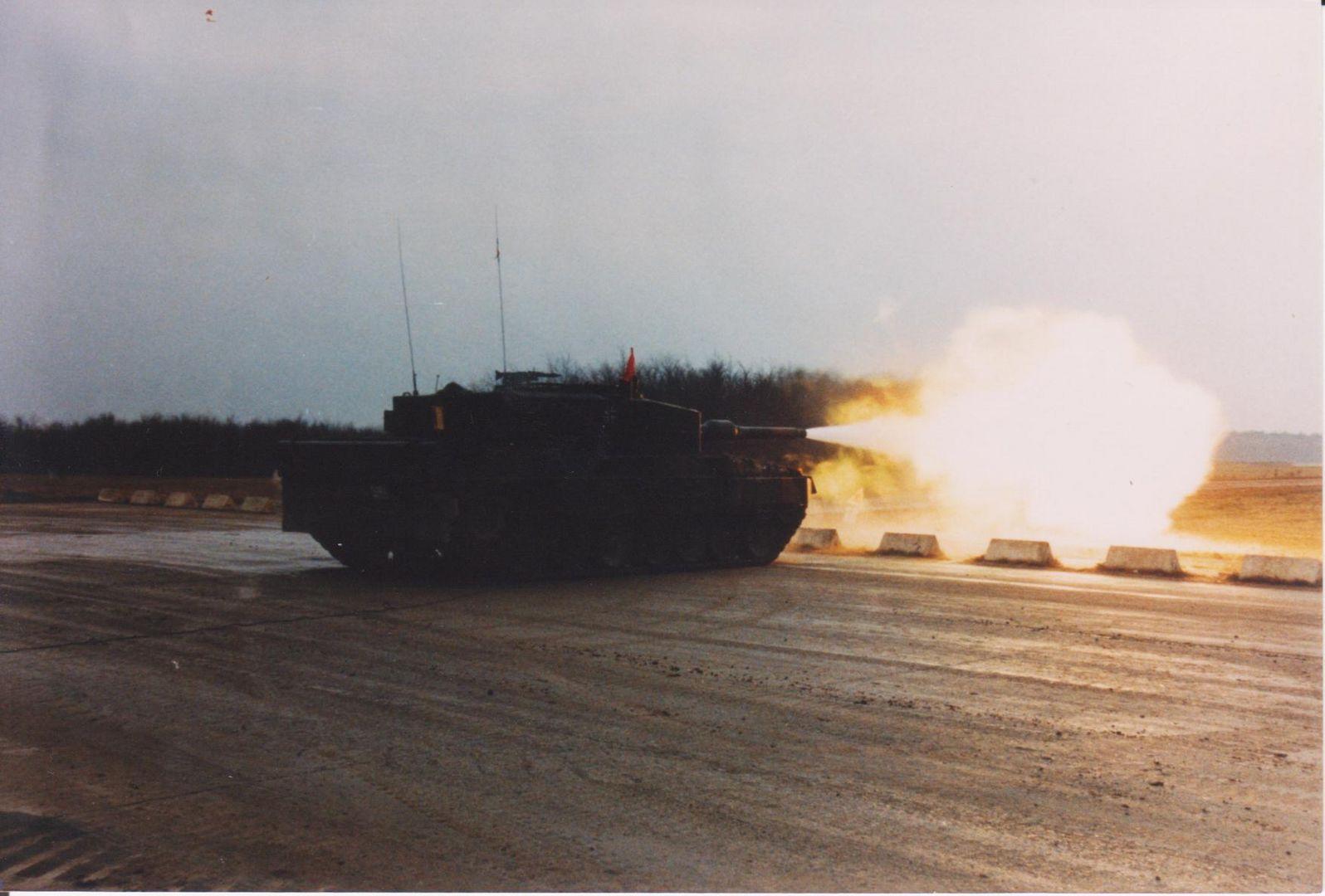 Panzer im Schuss TrÜbPl Bergen