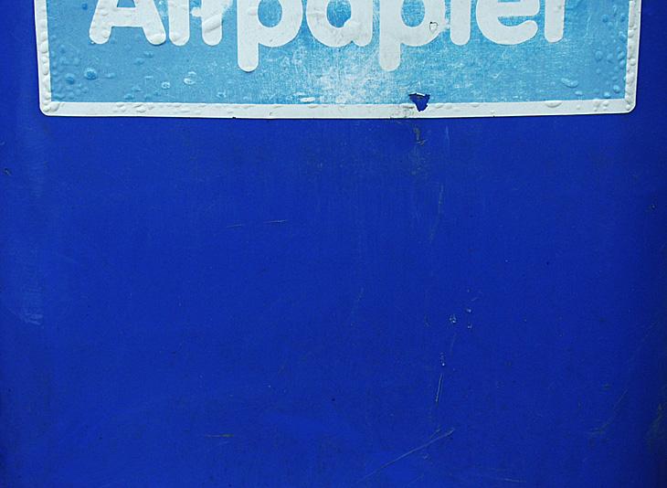 papier ist blau
