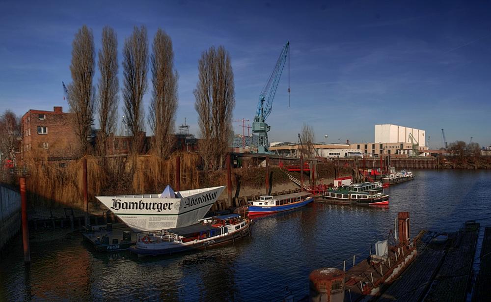 Papier-Schiffchen [Panorama ]