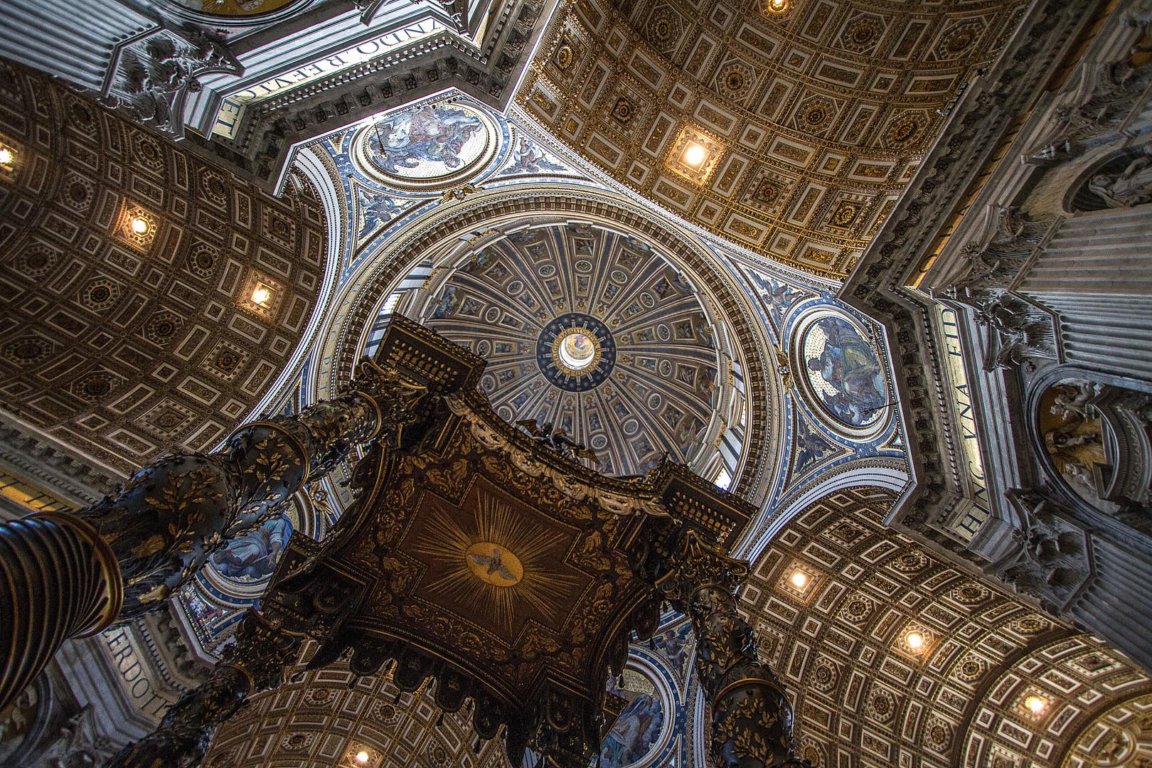 Papstaltar mit Vierung