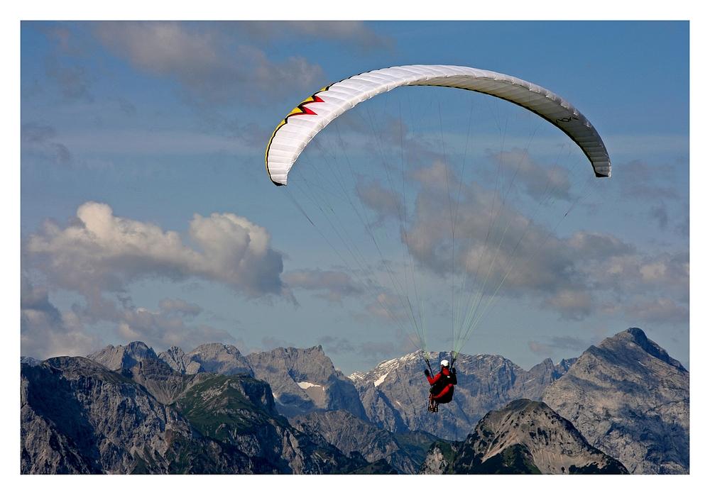Paragliding von Iris Fleschutz