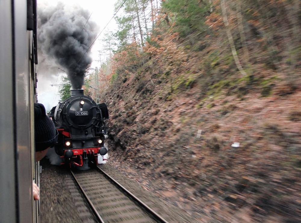 Parallelfahrt auf der Schwarzwaldbahn