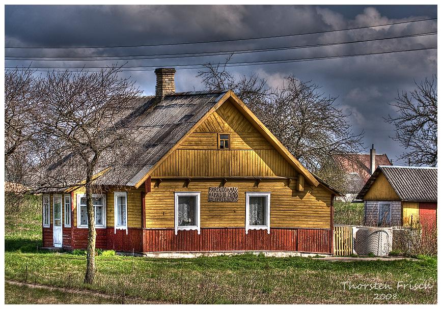 Parduodamas namas ir zemes sklypas...