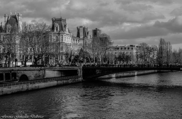 Paris . 1
