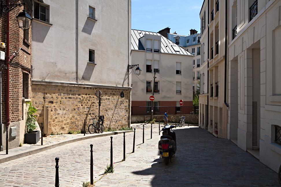 Paris 104