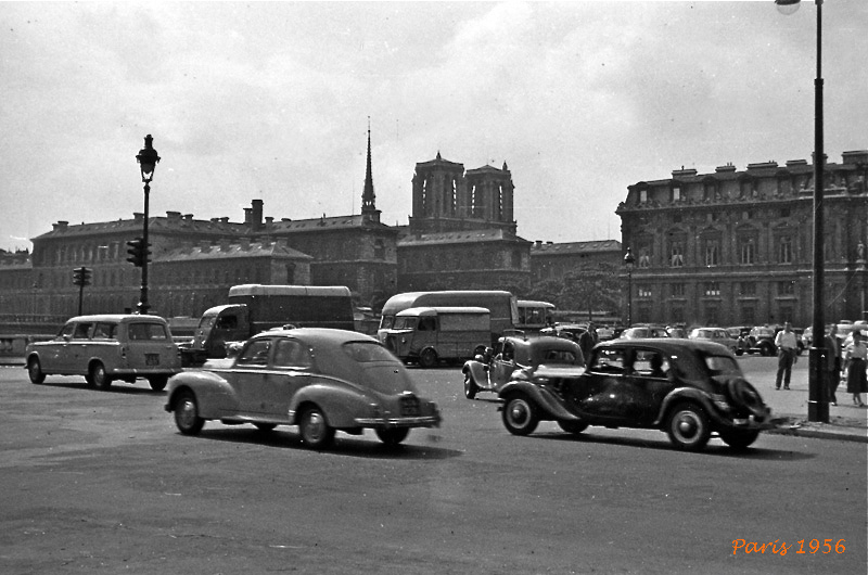 paris 1956 alte autos foto bild alte fotos historische reisefotos specials bilder auf. Black Bedroom Furniture Sets. Home Design Ideas
