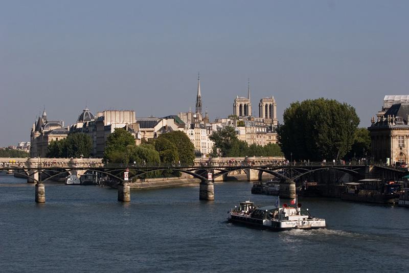 Paris 7055