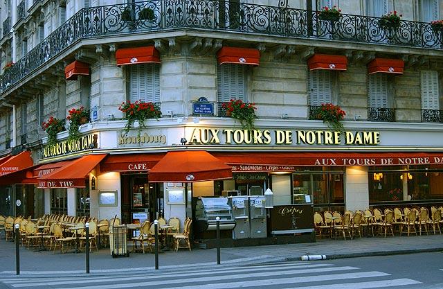 Paris - Aux Tours de Notre Dame
