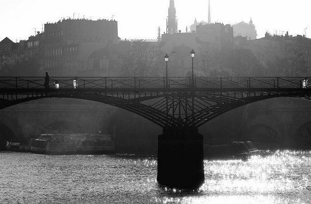 paris' bridge