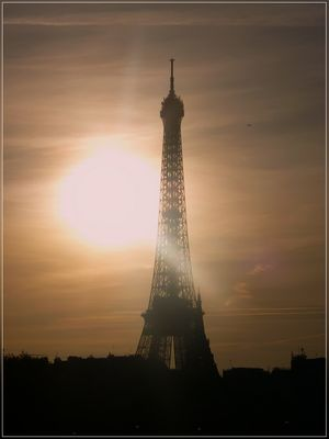 paris, eiffel tower at night - only illuminated by the sun :-)