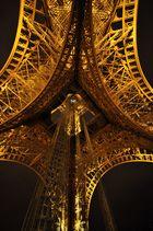Paris . . Eiffelturm