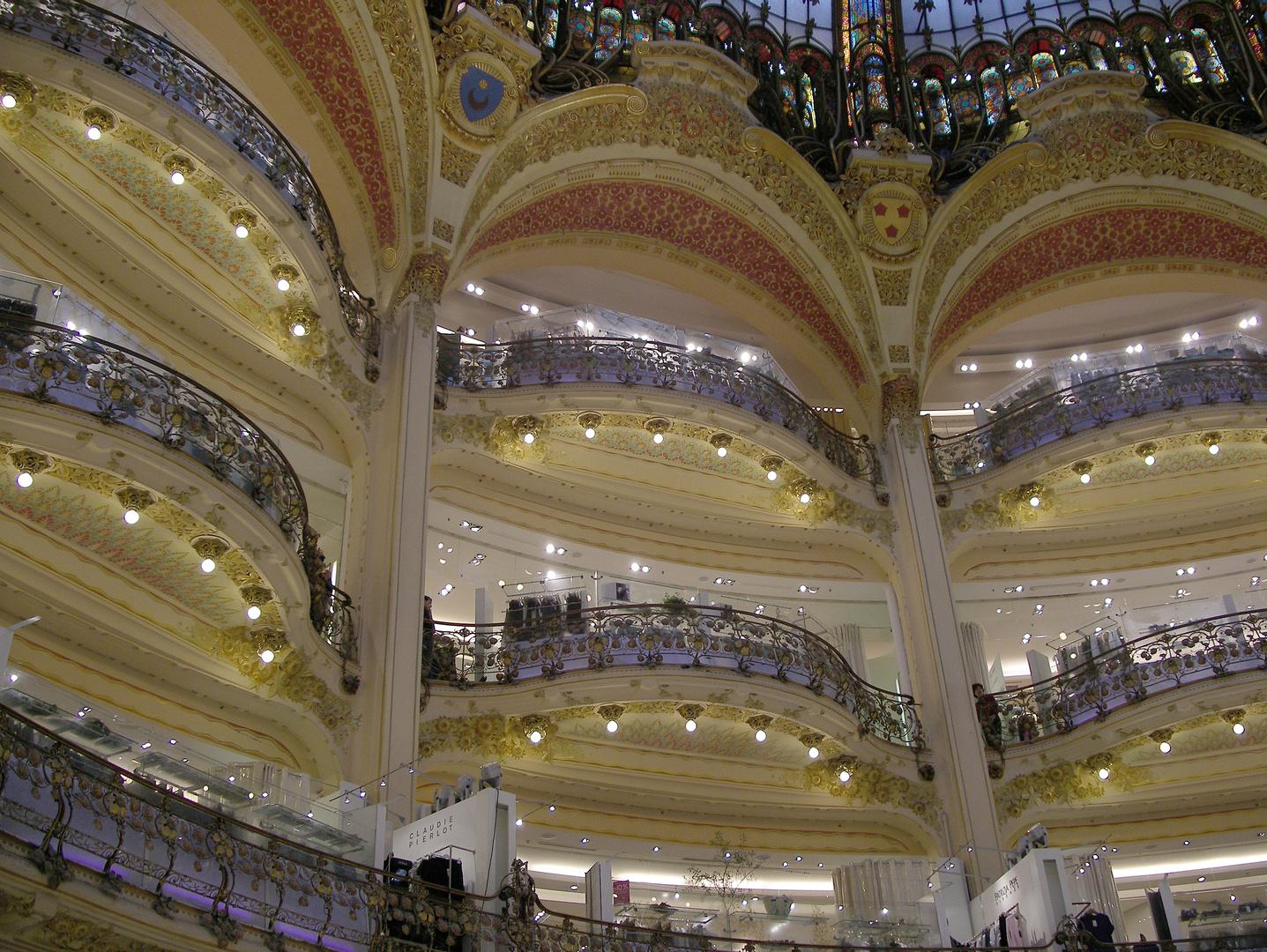 Paris Galeries Lafayette. Oper oder Kaufhaus - oder Kaufoper