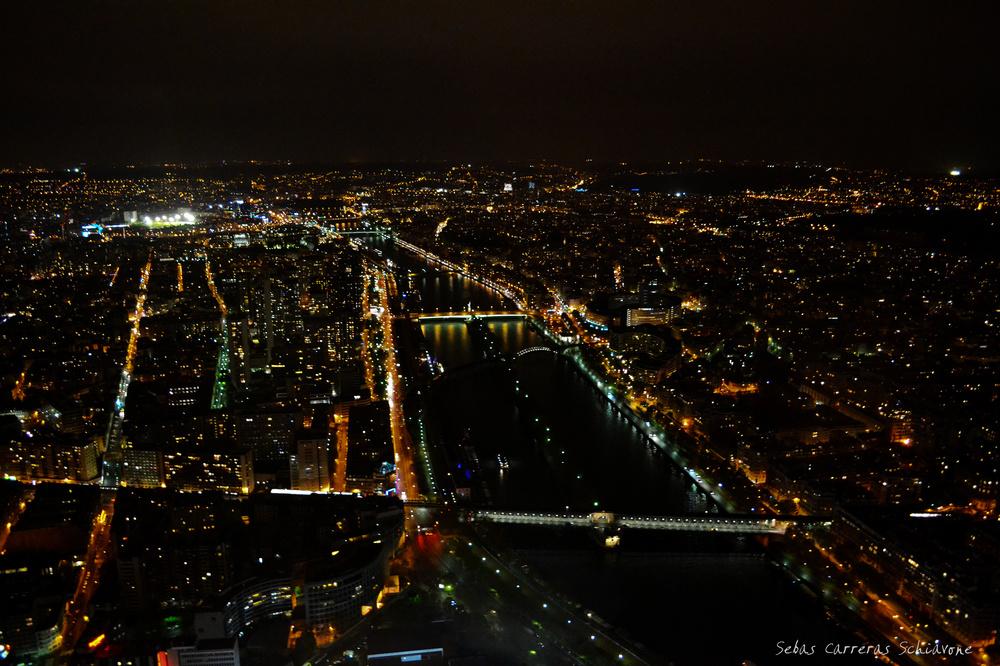 PARIS, LA CIUDAD DE LAS LUCES
