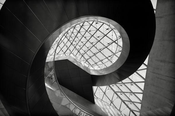 Paris, Le Louvre Escalier 2014