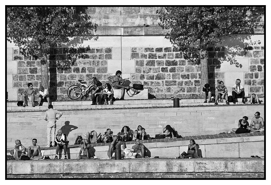 Paris, les quais, des gens...