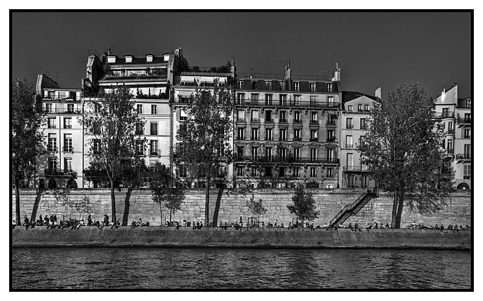 Paris, les quais, des gens...(III)