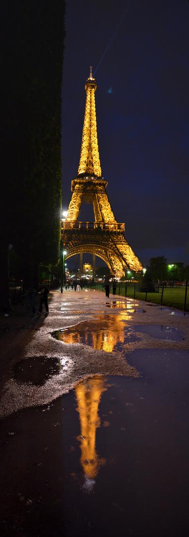 Paris - Madame Eiffel - réflexion