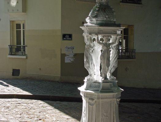"""PARIS Montmartre 2005 """"Fontaine Wallace"""" 1880"""