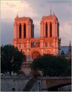 Paris, Notre Dame .............