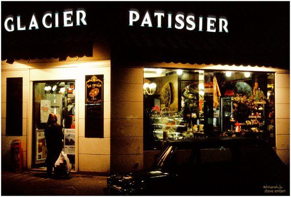Paris-Nuit No. 4 - Glacier-Patissier