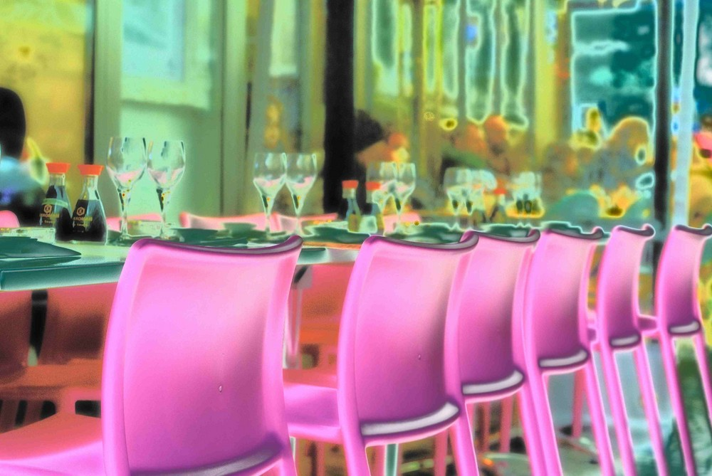 PARIS - stuartfriendly.fr - it's pink!