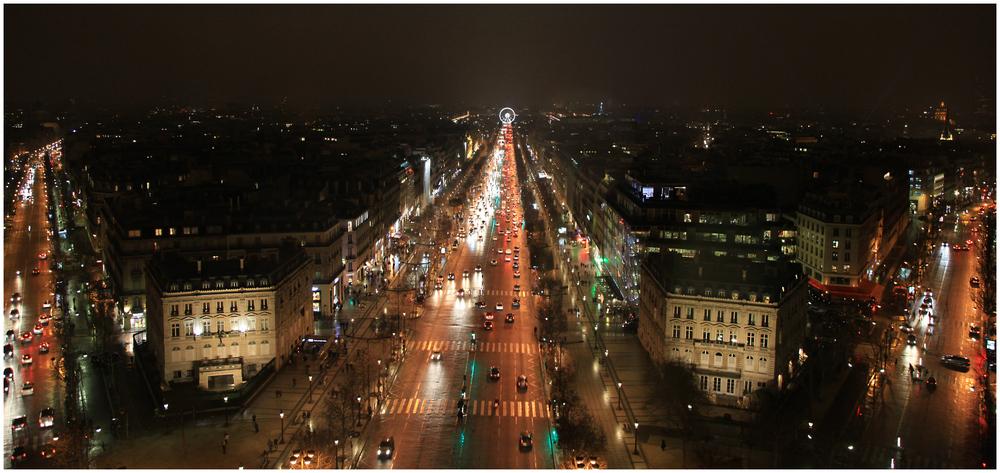 Paris Triumphbogen / Champs-Élysées