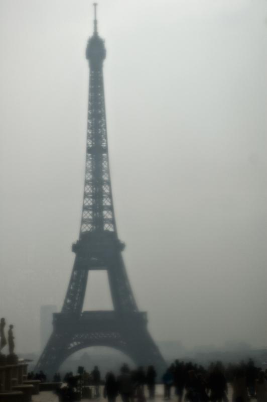 Paris, ville des amours en déplaçante