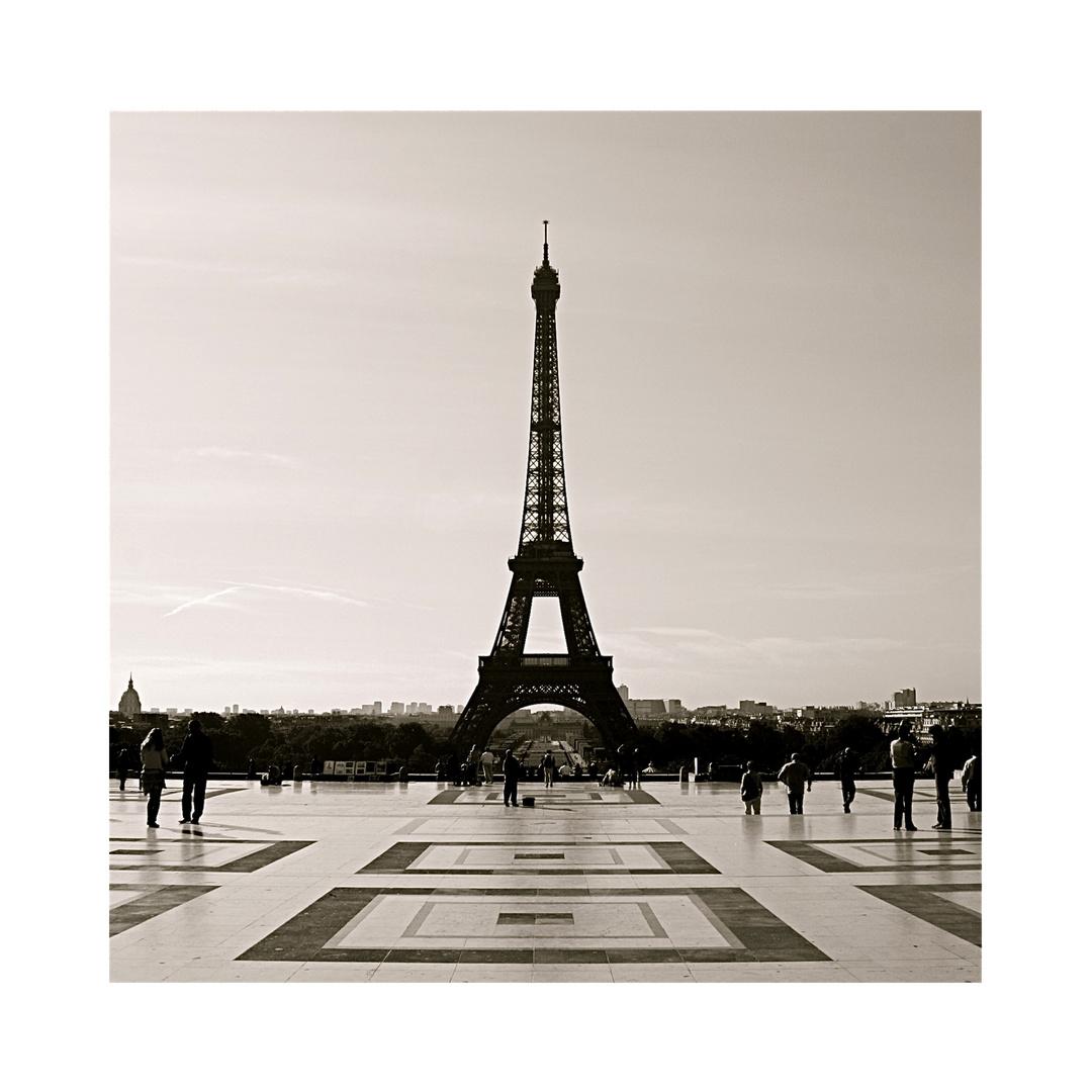 paris.vertical