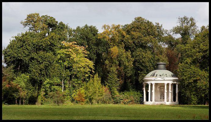 Park von Sanssouci -Freundschaftstempel östlich vom Neuen Palais