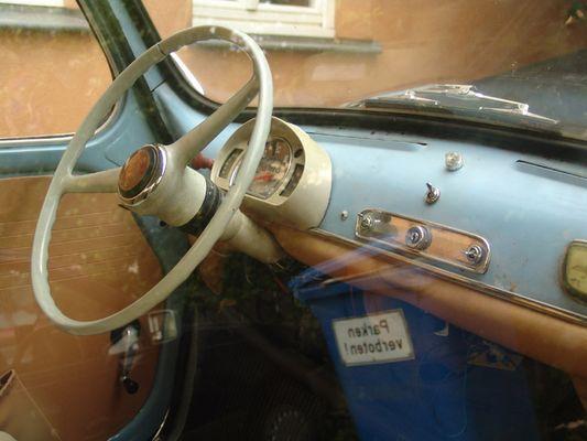 Parken verboten (Fiat 600)