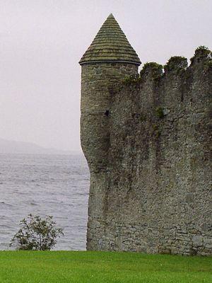 Parke's Castle im Nebel