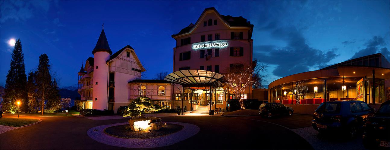 Parkhotel in der Nacht