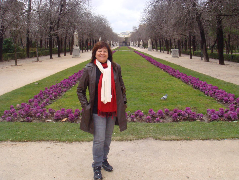 Parque do Retiro- Jardins do Bom Retiro-ao fundo estátuas...