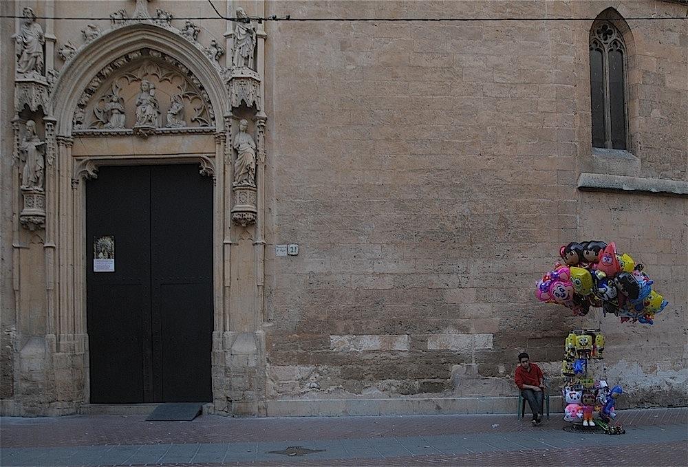 Parroquia de Sant Miquel y globero.