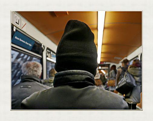 ... part of a <picture> story, Schlumpf auf dem Weg zur Arbeit