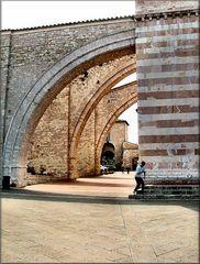 Particolare della chiesa di Santa Chiara d`Assisi.