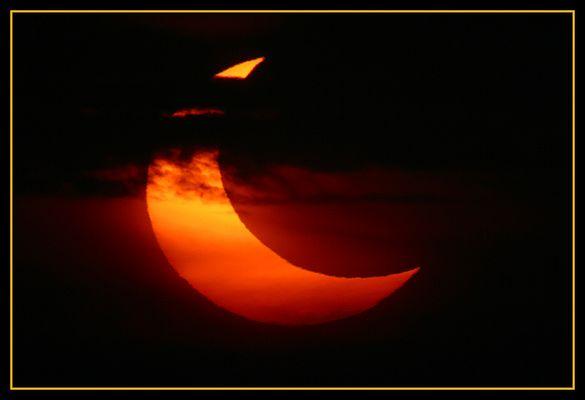 partielle Sonnenfinsternis - 31.05.2003 - #2