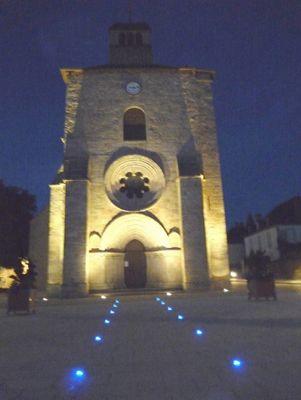 Parvis de l'église de Gouzon (23320)