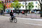 Paseo en bicicleta por las calles de alemania