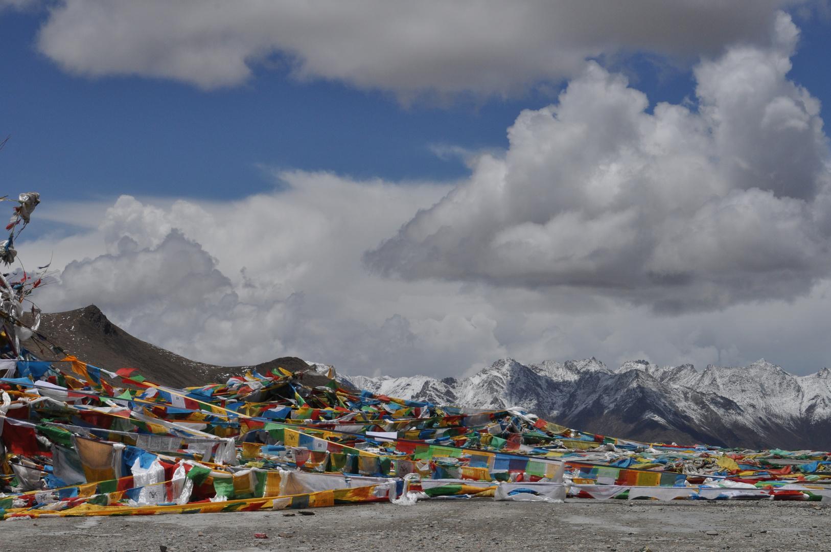 Pass Khampa La in 4794 Meter Höhe , an der Strasse von Shigatse nach Lhasa