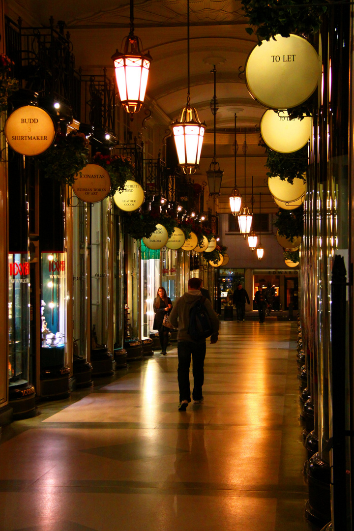 Passage in London