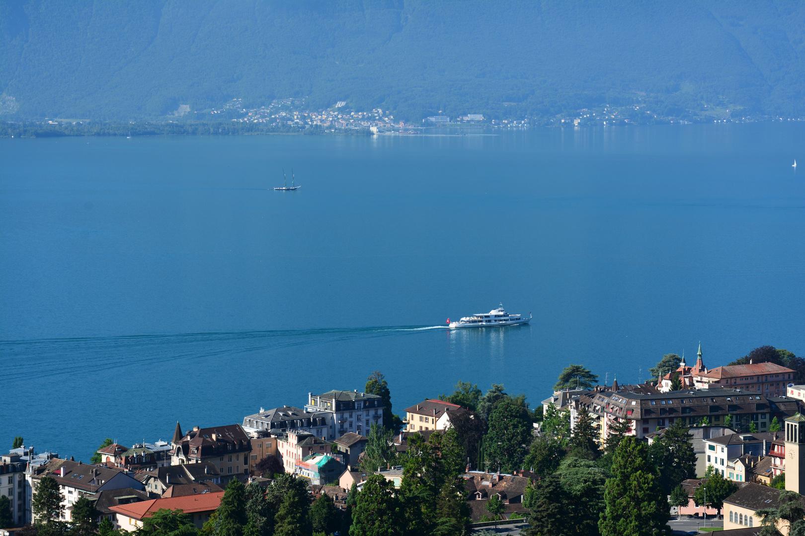 Passagierschiff auf dem Genfer See