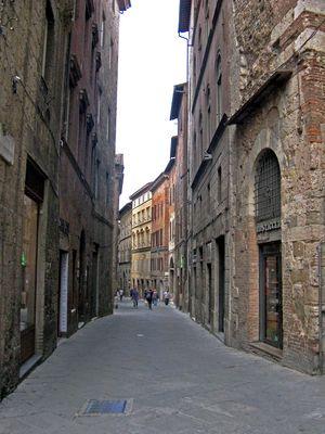 passeggiando per Siena